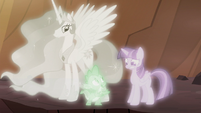"""Spike """"Twilight, this is crazy!"""" S7E1"""