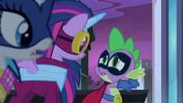 Spike tells Twilight to -freeze her mane!- S4E06