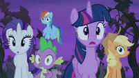 Twilight and friends spot Flutterbat S4E07
