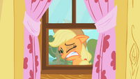 Applejack's reaction to the CMC's practice S1E18