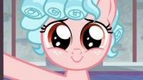 Cozy Glow smiling at the Crusaders S8E26