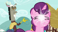 Discord removing Sugar Belle's blindfold S9E23
