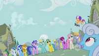 Every pony looks at flying Scootaloo S1E18