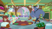 Iron Will teaching the friendship students S8E15
