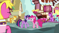 Pinkie Pie's fans laughing at her S7E14