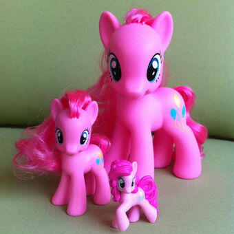 Lot of 4 My Little Pony Equestria Girls Figures Rarity Rainbow Dash Pinkie Pie