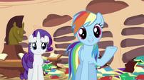 Rainbow Dash talking to Spike S2E21
