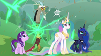 Starlight and Discord appear next to princesses S9E25