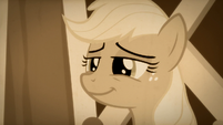 Apple Chord smiles warmly at her family S9E4