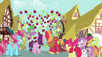 Giant apple reverts back to normal apples S9E23