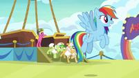 Rainbow and grannies arrive in Las Pegasus S8E5