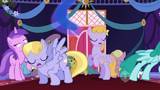 S1E01 Ponies move out of the way