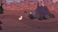 Spike and Fluttershy in Dragon Lands S9E9
