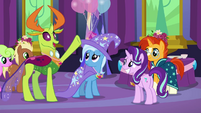 Thorax suggests a changeling gorbfest S7E1