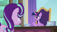 "Twilight ""getting royal place settings just right"" S9E20"
