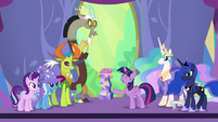 """Twilight Sparkle """"they set the changelings free"""" S7E1"""