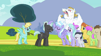 Bulk Biceps behind pegasi crowd S2E22