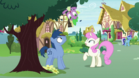 Spike pops out of tree over Noteworthy and Twinkleshine S7E15