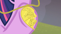 Twilight with Discord half necklace S04E11