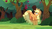 Applejack kicking the apple in slow motion S6E18