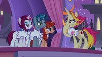 Fire Flare and unicorns consider Crackle's words S9E17