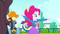 Pinkie Pie cheering for the Wondercolts SS4