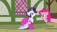 Pinkie Pie gasp in front of Rarity S3E3