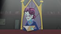 Principal Cinch looks at Twilight's application EG3