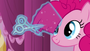 S02E20 Przycinanie grzywy Pinkie Pie