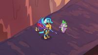 Spike --you'll make a great leader-- S6E5