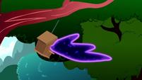 Tantabus escapes through a bird house S5E13