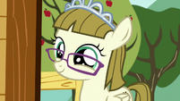 Zipporwhill looking happy again S7E6