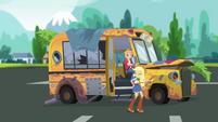 Applejack presents the Rainbooms' tour bus SS13