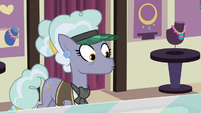 Jeweler Pony notices Trixie's cinnamon nuts S7E2