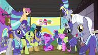 S06E18 Mieszkańcy Ponyville żegnają drużynę