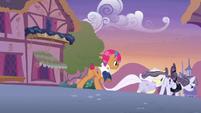 Starstreak, Lily, and Inky run away from Applejack S7E9