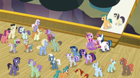 Twilight's family and ponies on the zeppelin deck S7E22