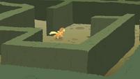 Applejack running the maze S2E01