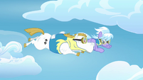 Cloudchaser and Bulk Biceps flying together S3E07