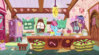 Mrs. Cake in a messy kitchen S9E23