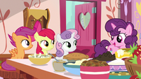 "Sugar Belle ""you three go deliver that pie"" S9E23"