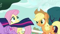 Twilight Sparkle gallops off-screen S5E19