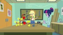 Applejack creates an apple molecule EGDS6