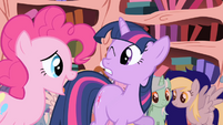 Pinkie Pie talking S01E01