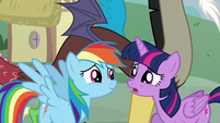 """Twilight """"What's going on here?"""" S5E22"""