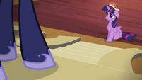 Twilight talking to Princess Luna S4E01