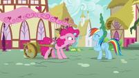 Pinkie Pie stressed; Rainbow continue to pretend S7E23