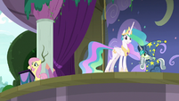 Princess Celestia steps onto the stage S8E7