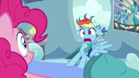 Rainbow Dash startled awake S7E23