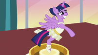Twilight continues playing music box sounds S7E10